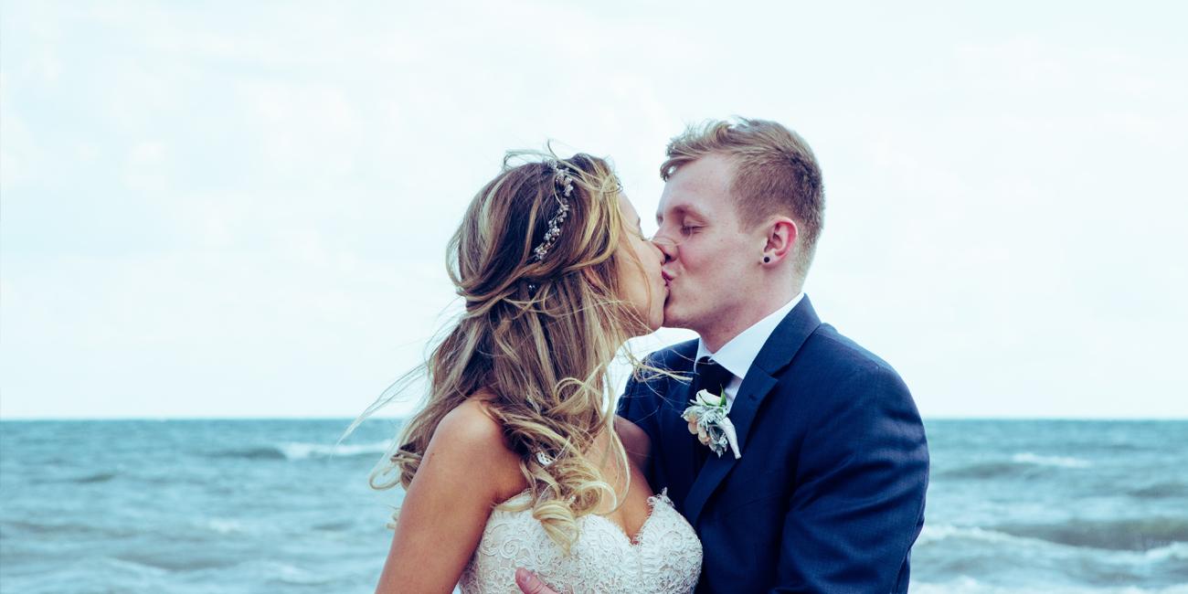 real wedding couple weddinghub WordPress theme